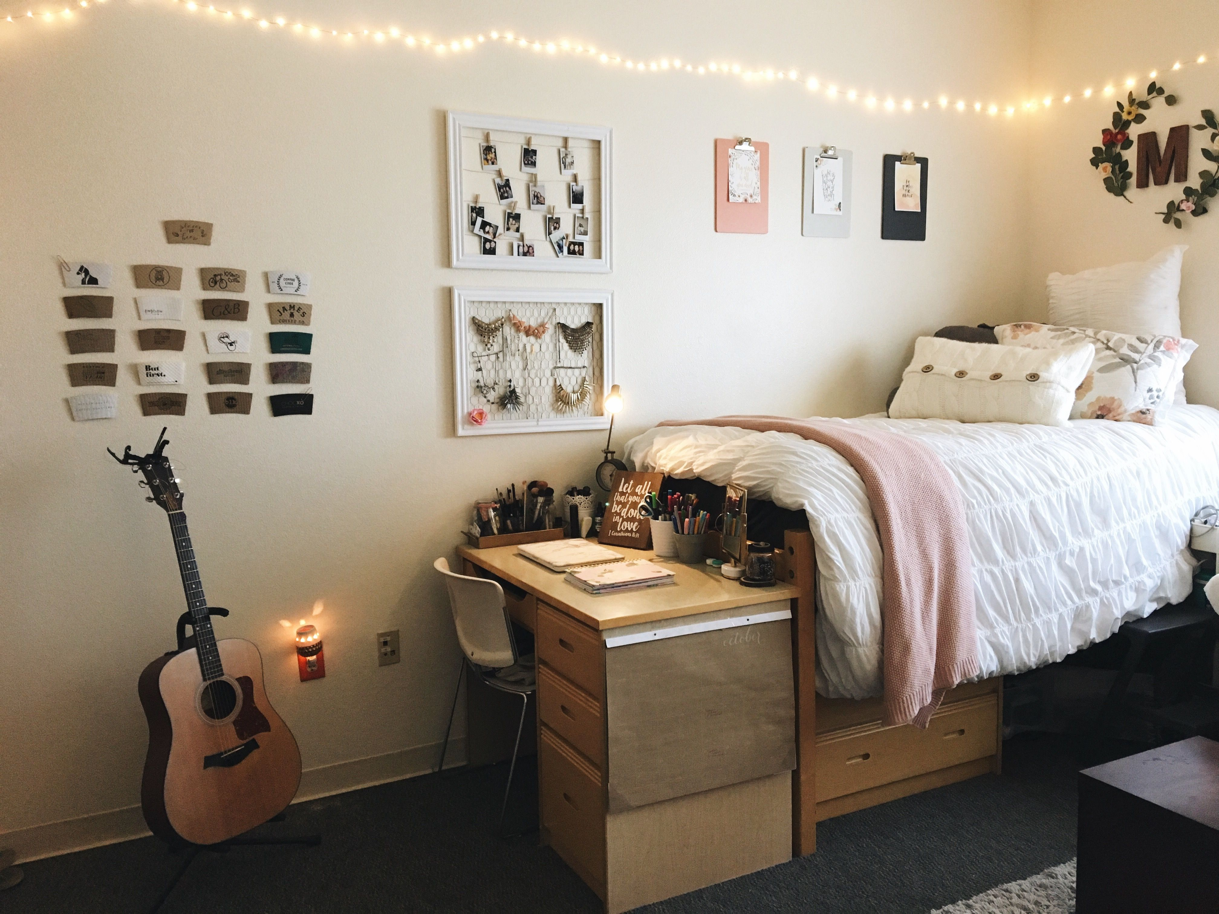 My little nook c o l l e g e college dorm rooms - College dorm decorating ideas ...