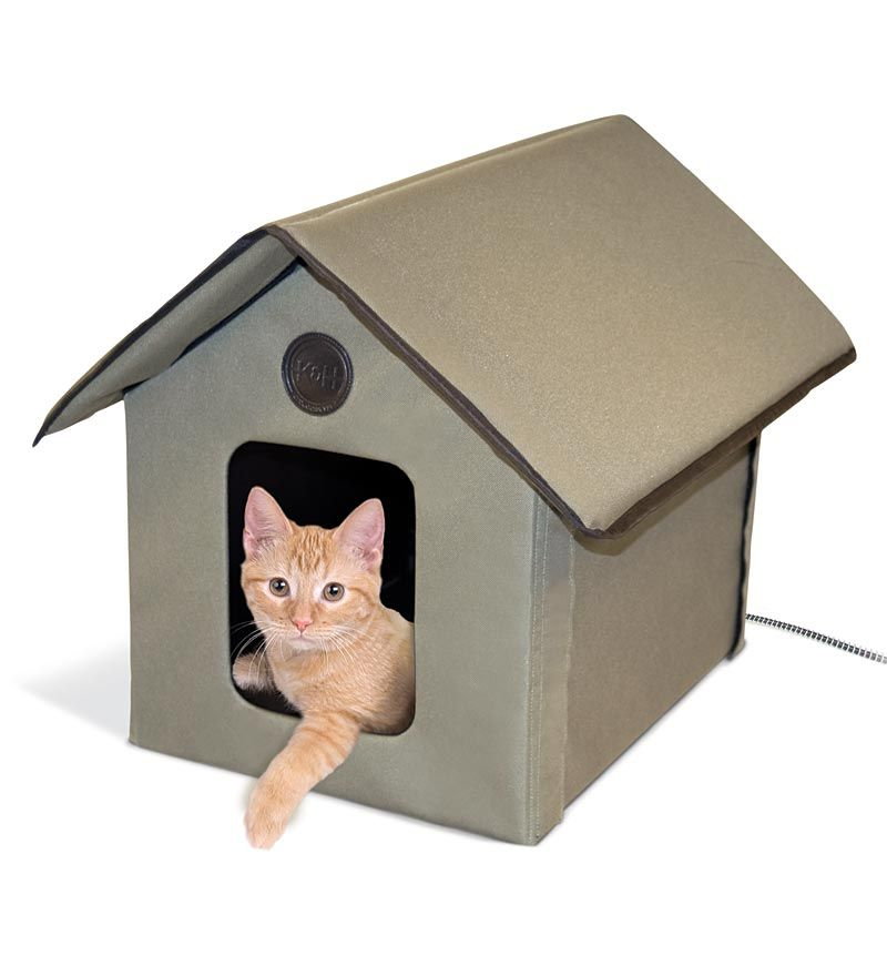 This Plastic Waterproof Heated Cat House Is Great For Cold Weather Snow Or Rain And Keeps Up Heated Outdoor Cat House Outside Cat House Outdoor Cat Shelter