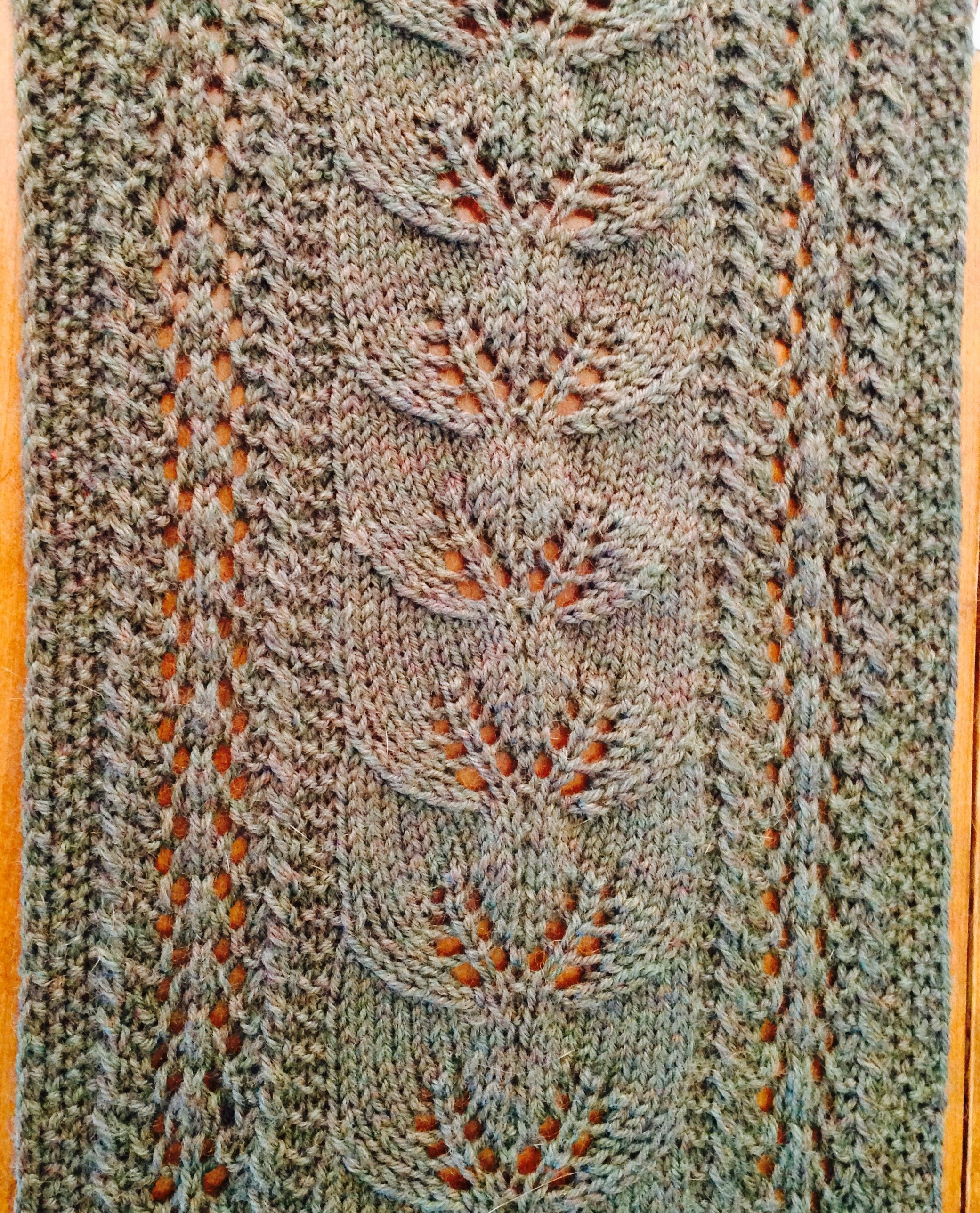 Leaves afalling scarf knit happens pinterest scarves shawl leaves afalling scarf bankloansurffo Gallery