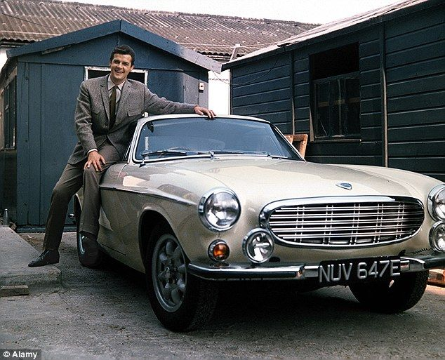 Sir Roger Moore Is Special Guest On A Show That Res Clic Cars