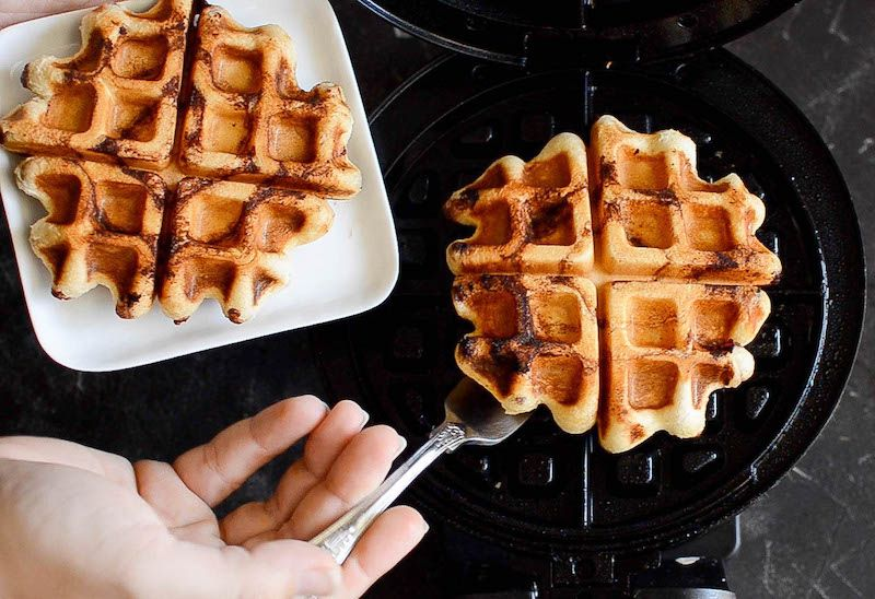 Cinnamon Roll Waffles: Try This Crazy Delicious Waffle