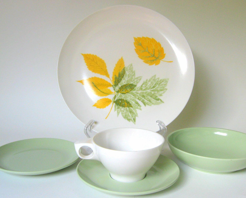 Vintage Pink Rose Bootonware Melamine Dinner Plates -Set of  Somerset  Melmac Dinnerware Set & Bootonware