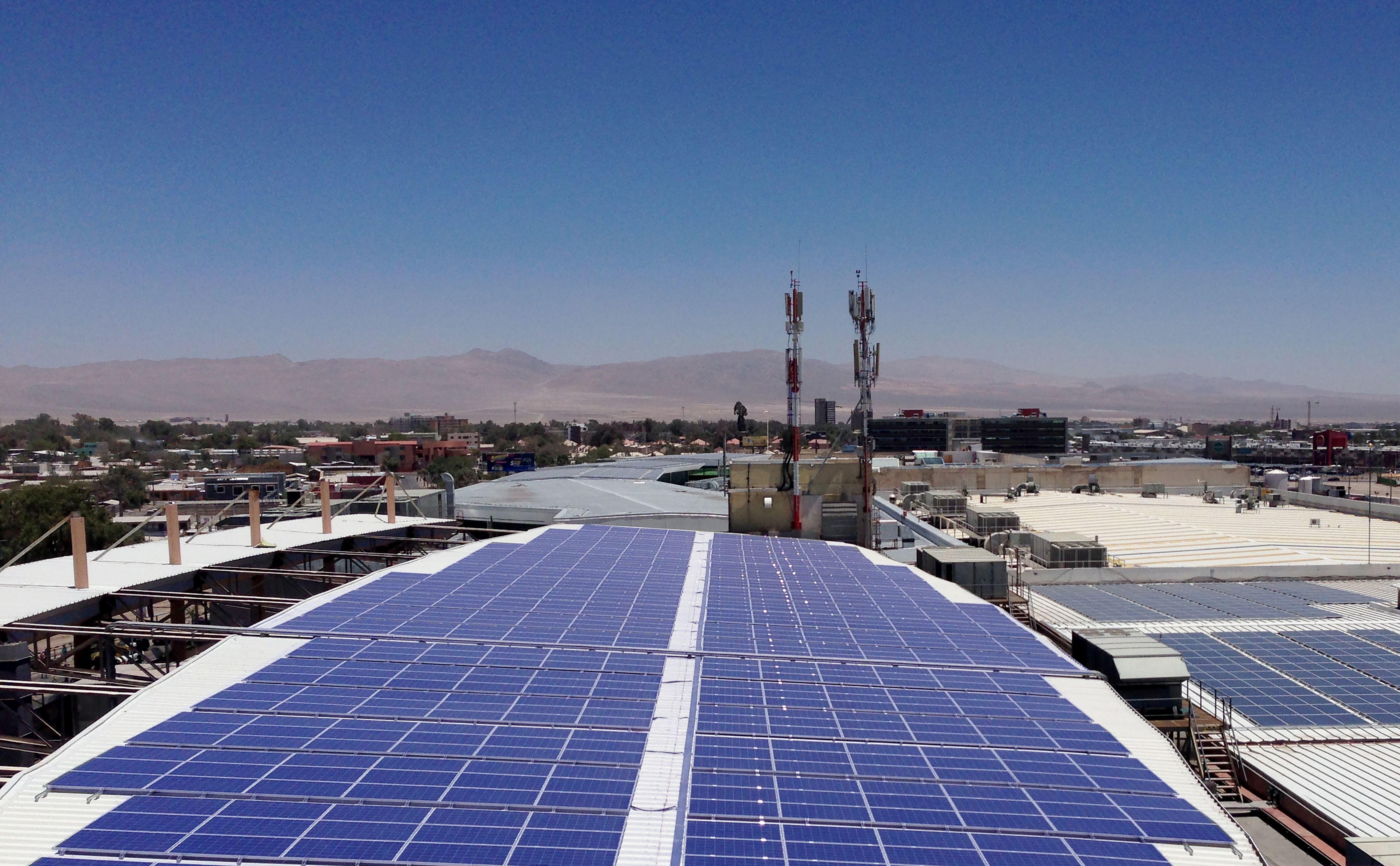 Cubiertas Fotovoltaicas: una solución de ahorro efectiva para su empresa. Techos industriales y edificions comerciales