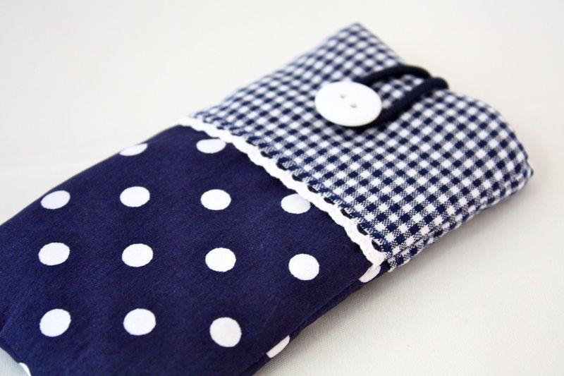 Handytaschen - Handytasche passend für alle Handymaße - ein Designerstück von Fadentaenzerin bei DaWanda #leiterdekoweihnachten