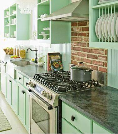 Peinture vert d 39 eau une couleur d co pour salon et cuisine - Peinture d armoire de cuisine ...