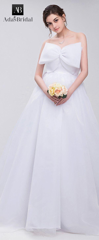 In stock elegant organza strapless neckline ball gown wedding