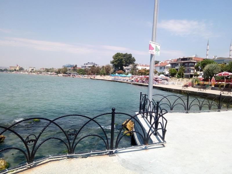 شاطئ بيوك جكمجة رونق خاص من الجمال في اسطنبول الأوروبية سفرك السياحية Istanbul Buyukcekmece Beach