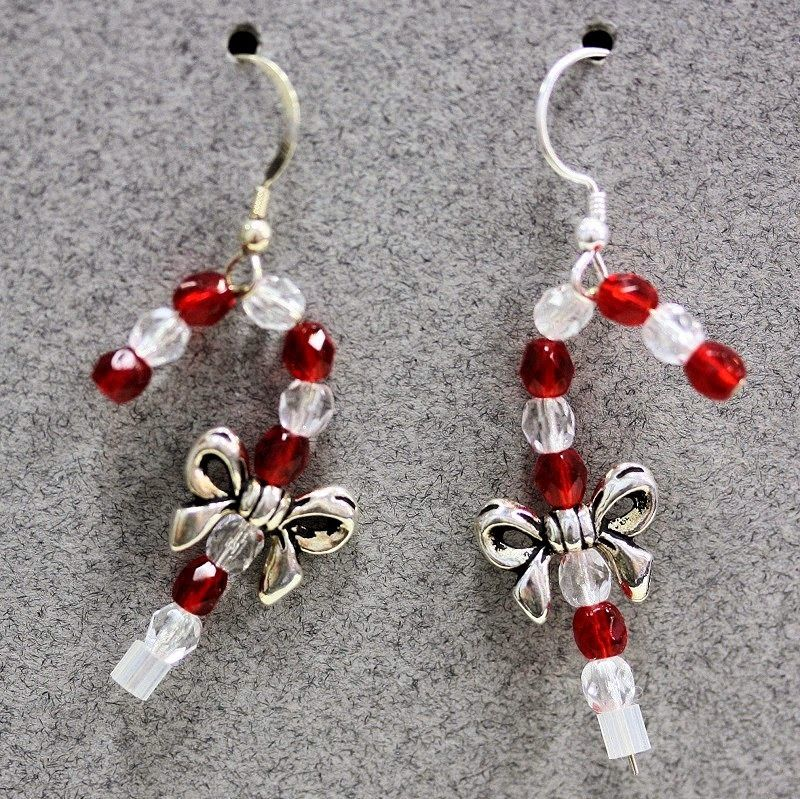 """Beading the """"Bead World"""" Way: Christmas Project Roundup 2015 Learn how to make 8 fun and easy beaded Holiday jewelry pieces, earrings and bracelets!"""