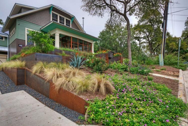 amnager son jardin en pente conseils pratiques et photos