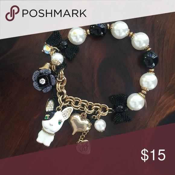 Betsey Johnson Bulldog Charm Bracelet 🐶 Stretchy charm bracelet. Like new only worn a couple of times! Betsey Johnson Jewelry Bracelets