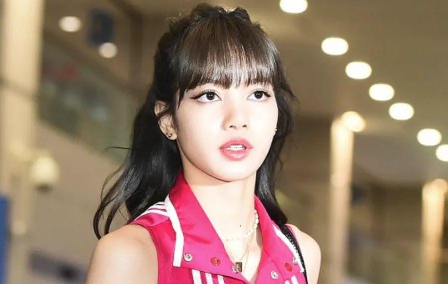 رأي مستخدمي الإنترنت ليزا و جيسو من بلاك بينك تبدوان مشرقتين في المطار Https Ift Tt 2lzyxa9 Blackpink Jisoo Lisa Blackpink