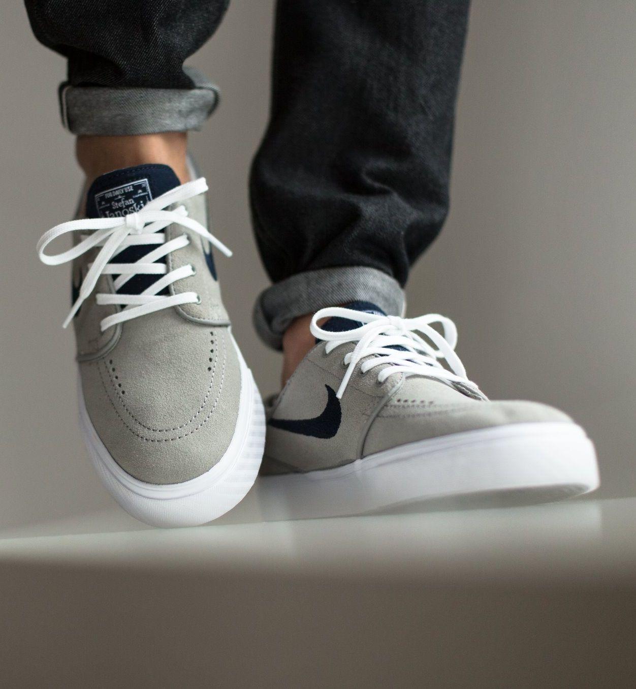 new styles 2d52f 25abb Nike SB Zoom Stefan Janoski  Mid Grey