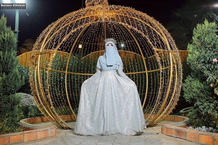 Ge Ge On Instagram لما تكون المصوره عروسه هنزلكم بكل تفاصيل يوم خطوبتي عايزه البوست ده يلف الكون Muslim Fashion Dress Muslimah Wedding Girl Hijab