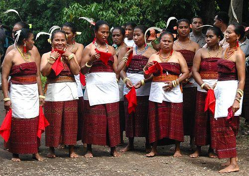 Lamaholot Women In East Flores Indonesia Indonesia Culture