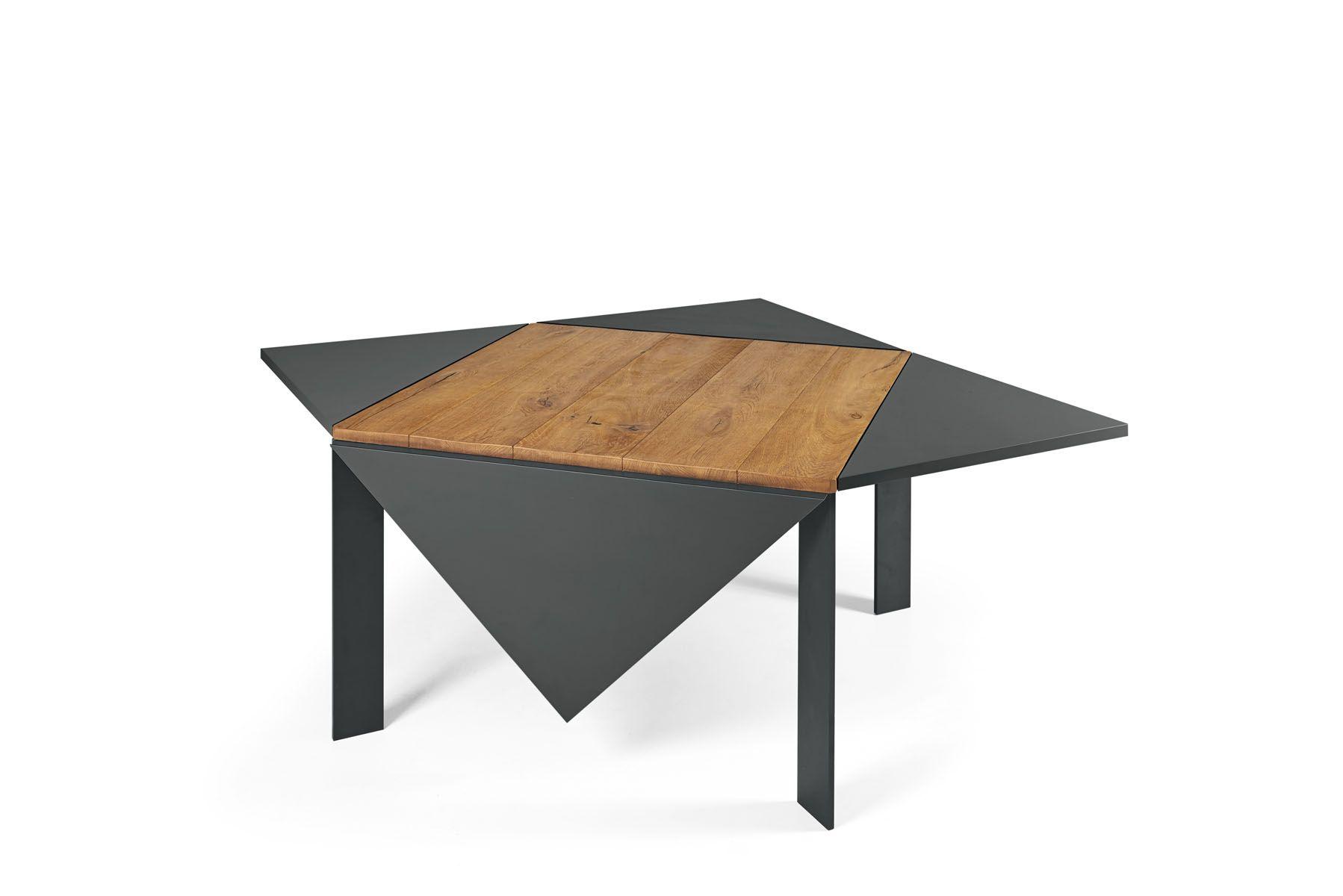 Tavolo In Legno Quadrato Allungabile.Un Tavolo Allungabile E Quadrato Per Gli Ospiti Tavolo