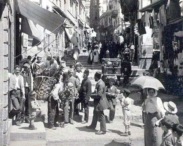 Eski İstanbuldan Kalmış Anılarla Dolu 35 Nostaljik Fotoğraf