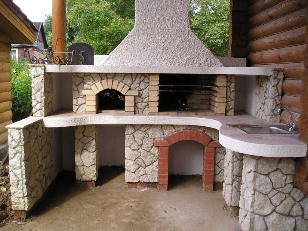 Печь с барбекю на крестьянском дворе барбекю и план