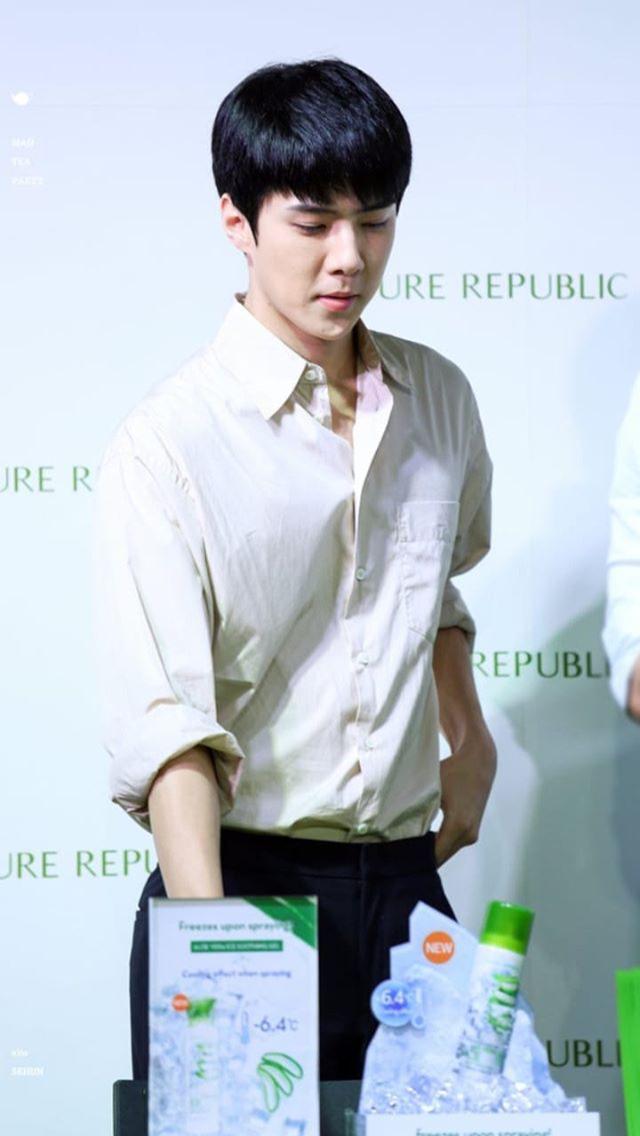 7f87724e8 Pin oleh Oh Sehun di Sehun wearing a shirt 2 | Pinterest | EXO ...