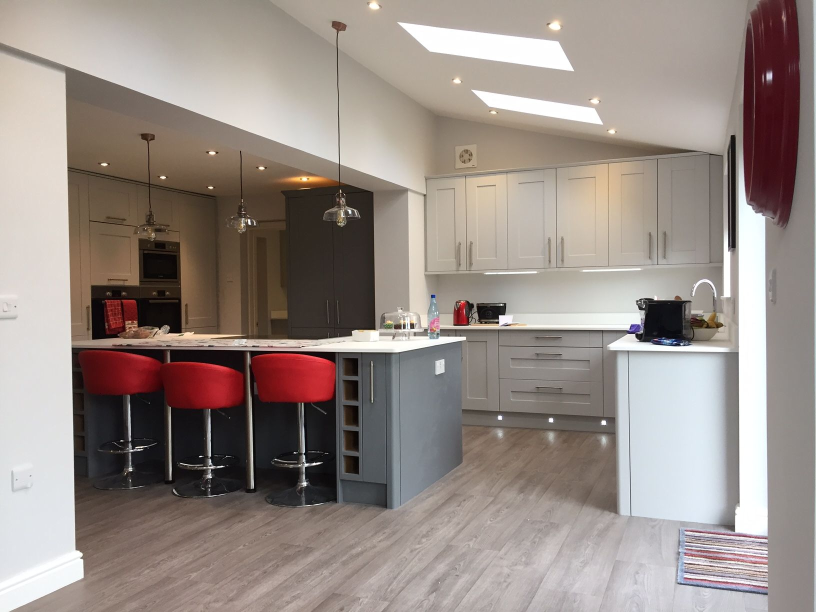 Kitchen supplied by Benchmarx Leek. Painted shaker