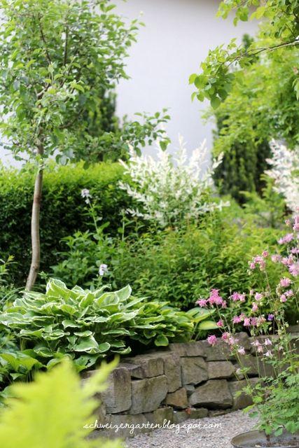 Vorgarten+gestaltung+Gartenideen+Hanglage+TReppe+Natursteine+Kies+ - vorgarten gestalten mit kies und grasern