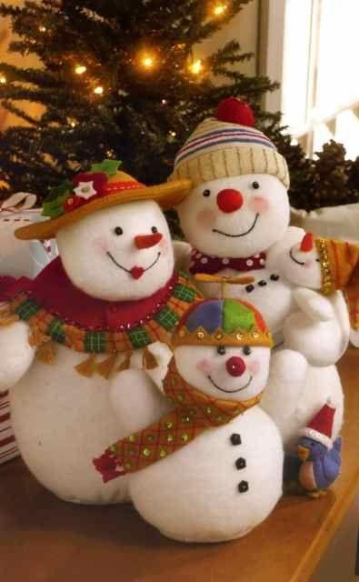 Snowman Family Engelbreit Felt Applique Home Decor Kit Bucilla 86100