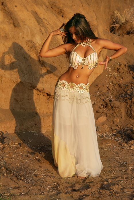 Ballet is Beautiful but so is Belly Dancing! I would love to learn ...
