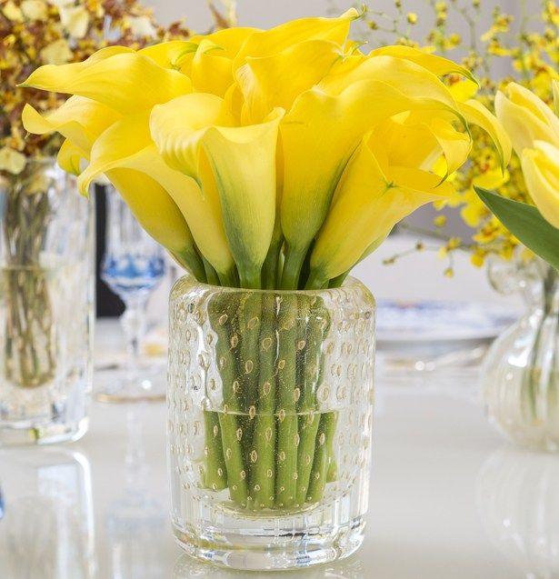 Um Jantar Em Azul E Amarelo Azul E Amarelo Arranjos De Flores
