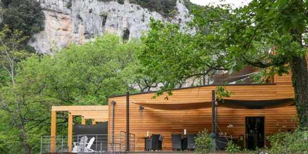 Un écolodge dans le site des gorges de l'Ardèche