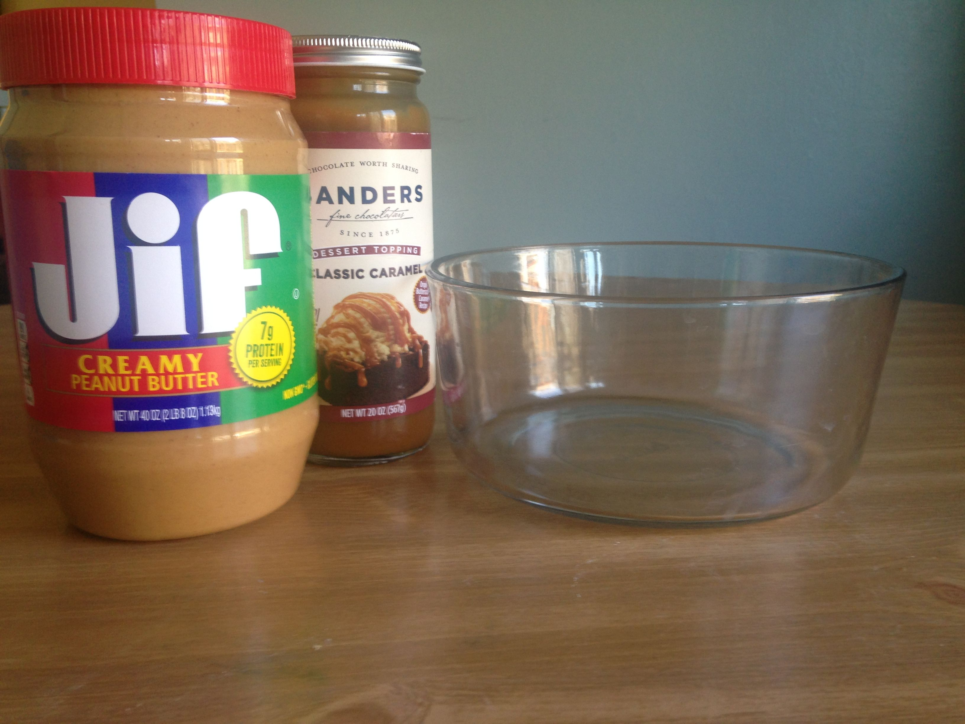 How to Make Peanut Butter Caramel Oatmeal Cookie Bars