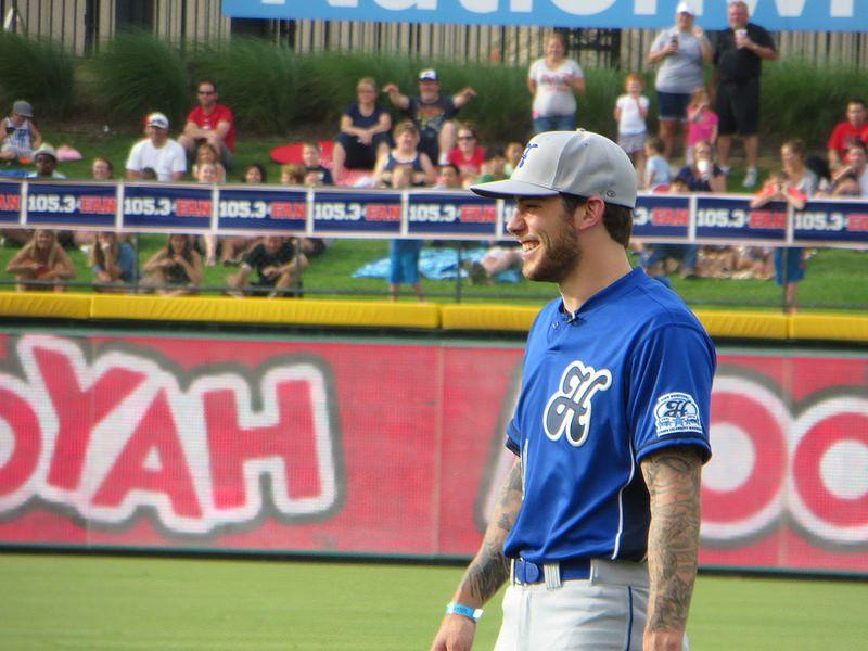 Heroes Baseball Game 6 21 2014 Tyler Seguin 91 Photo By Pnlt Bx Img 0250 Tyler Seguin Stars Hockey Dallas Stars Hockey