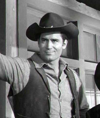Clint In A Scene From The Tv Show Cheyenne Clint Walker Actor Clint Walker Movie Stars