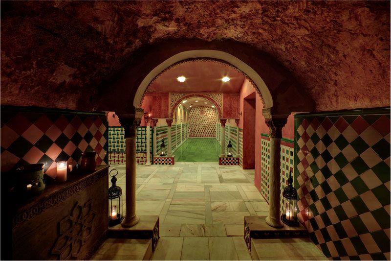 Sala caliente, baños árabes hamman. #Granada