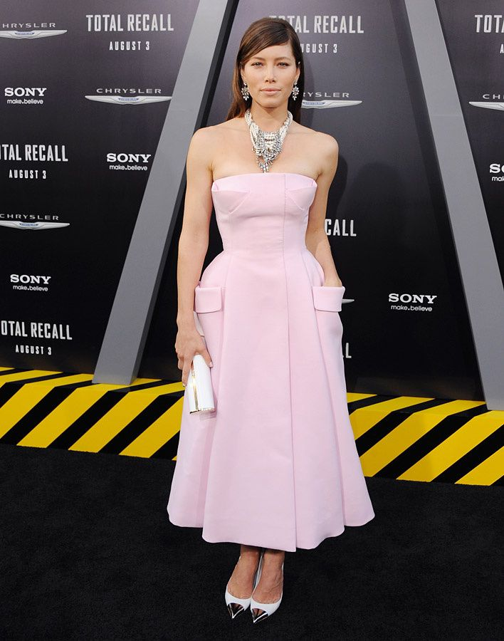 Jessica Biel sorprende en Dior Couture | Beautiful gowns | Pinterest ...