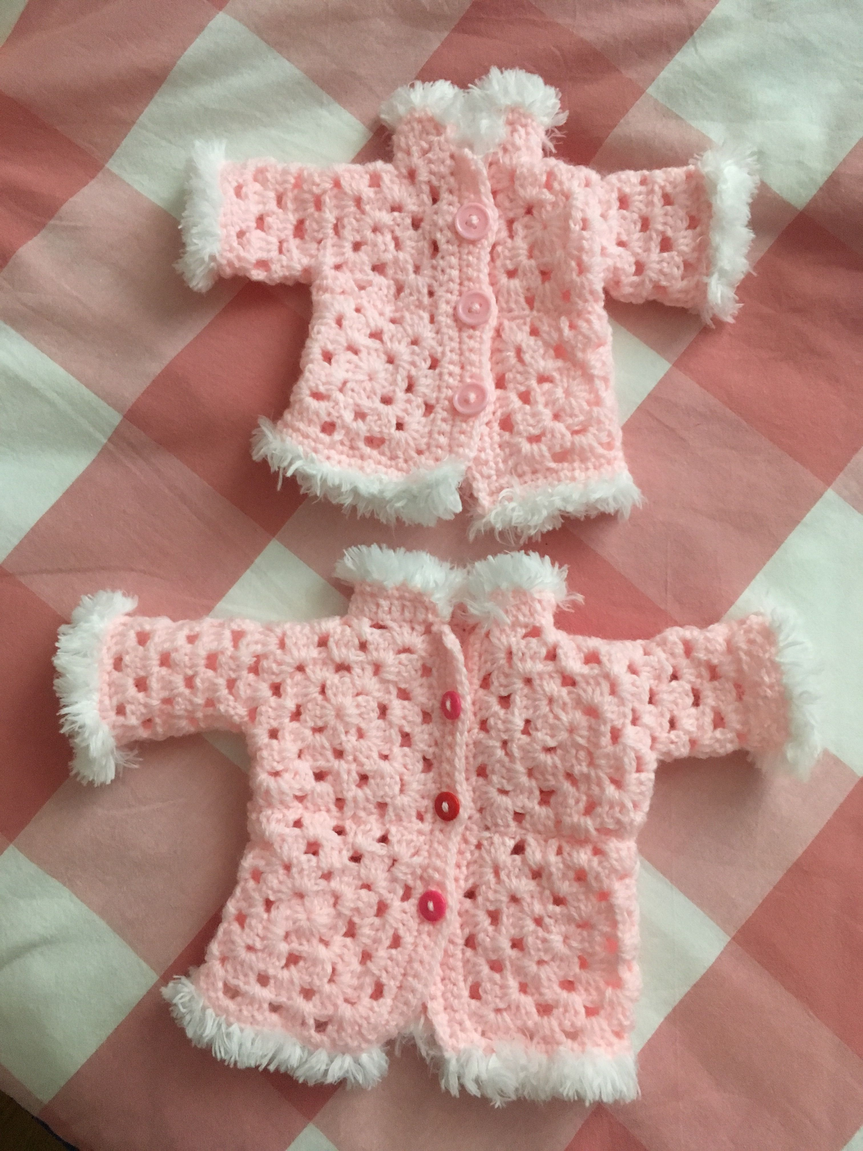 Poppenvestje Granny Square Met Fluffy Randje Haken Crochet