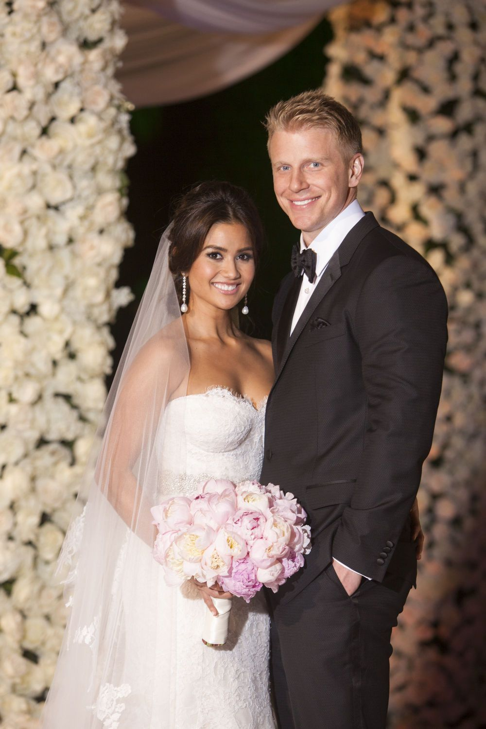 Catherine Giudici In Monique Lhuillier In 2020 Lace Mermaid Wedding Dress Sean And Catherine Wedding Wedding Dresses