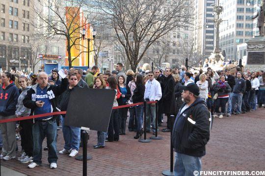 Jimmy Fallon Crowd Indianapolis Superbowl Xlvi Super Bowl Indianapolis Crowd