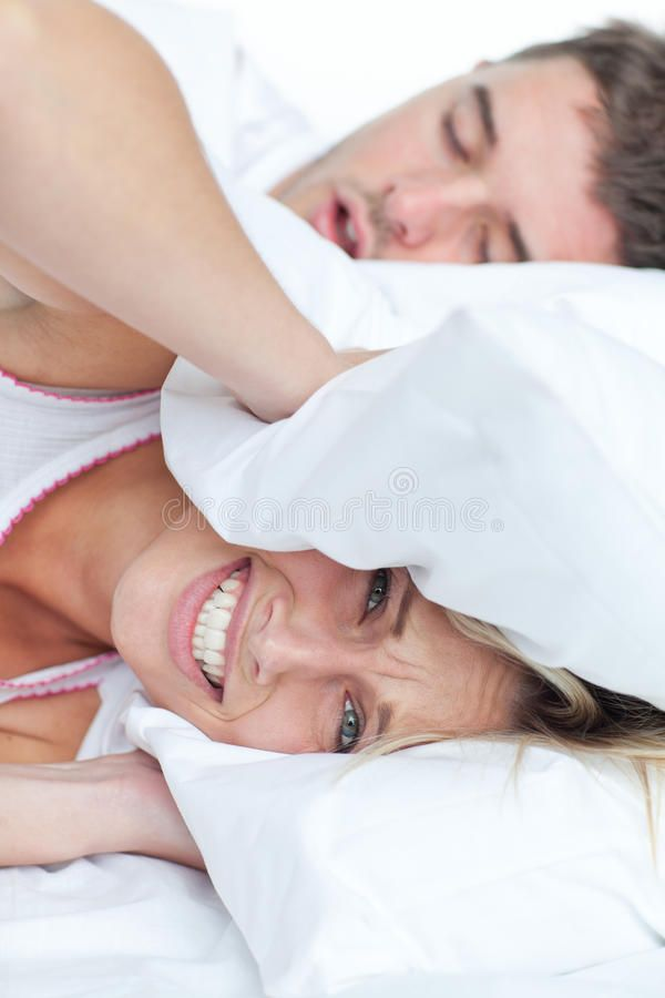 Woman Stressed By Her Boyfriend S Snores Putting Her Head Under The Pillow Ad Boyfriend Stressed Woman Cure For Sleep Apnea Snoring Snoring Remedies