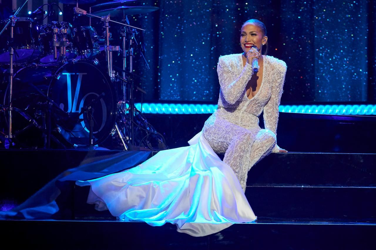 Jennifer Lopez Rocking Jennifer lopez, Wedding jumpsuit