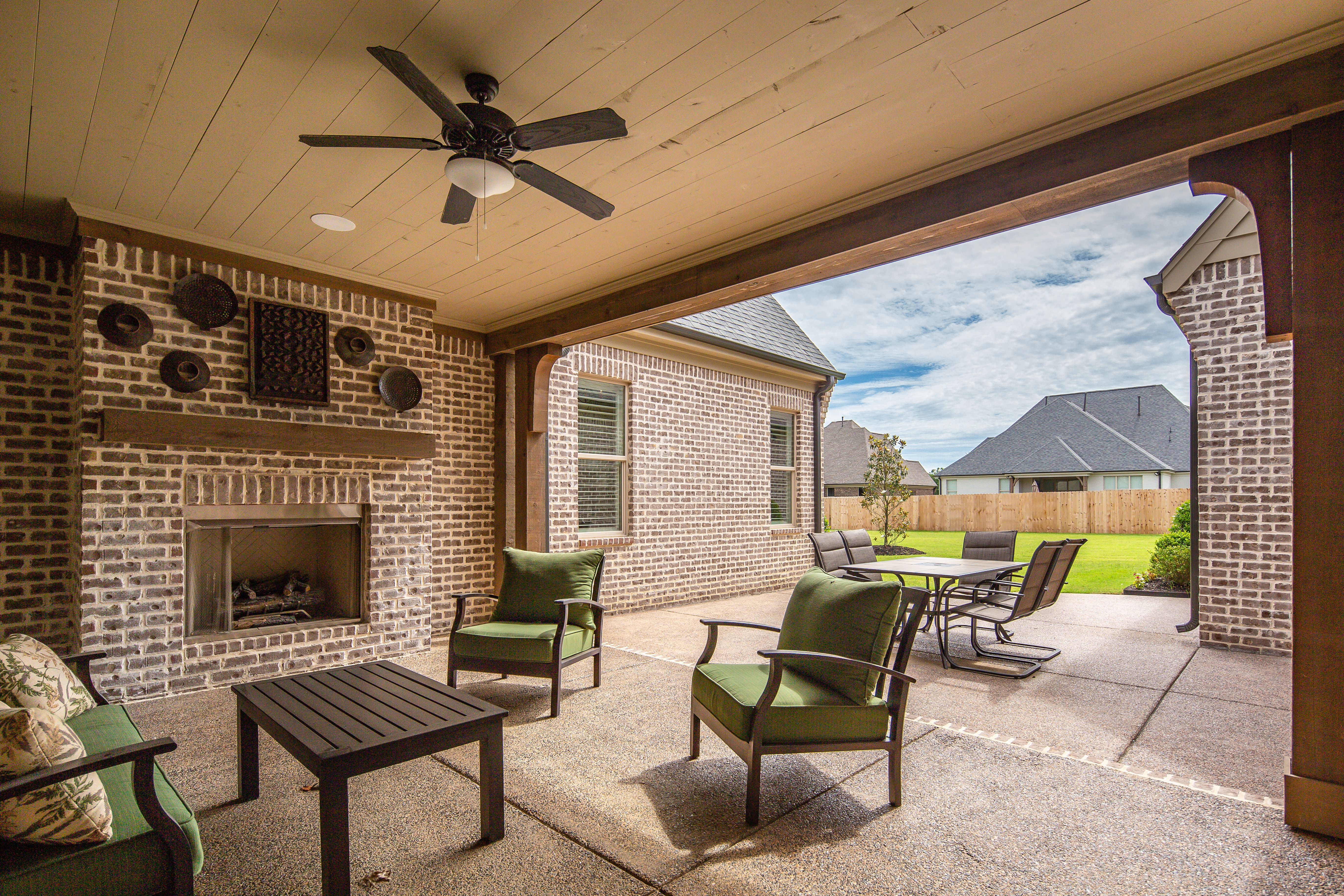 Gather your friends and family this independence day to ... on Outdoor Living Sale id=15390