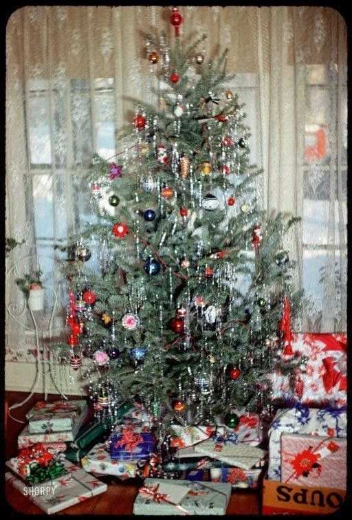 A 1955 Christmas Tree This Reminds Me So Much Of My Grandma S House The Gauzy Cu Vintage Christmas Tree Vintage Christmas Tree Decorations Vintage Christmas