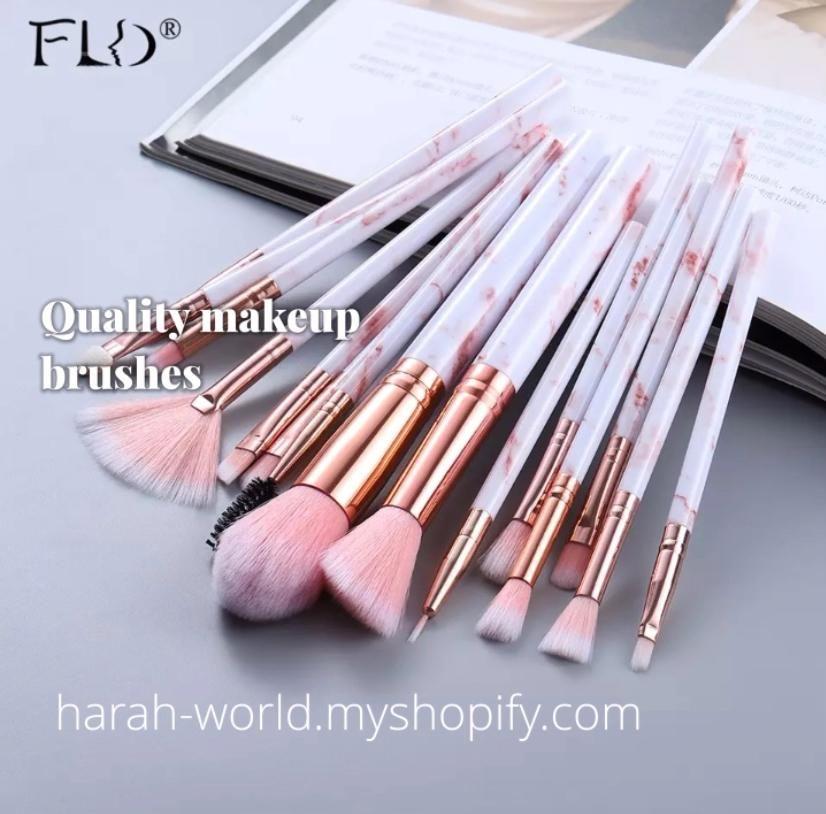 Klicken Sie hier für hochwertige Make-up-Pinsel