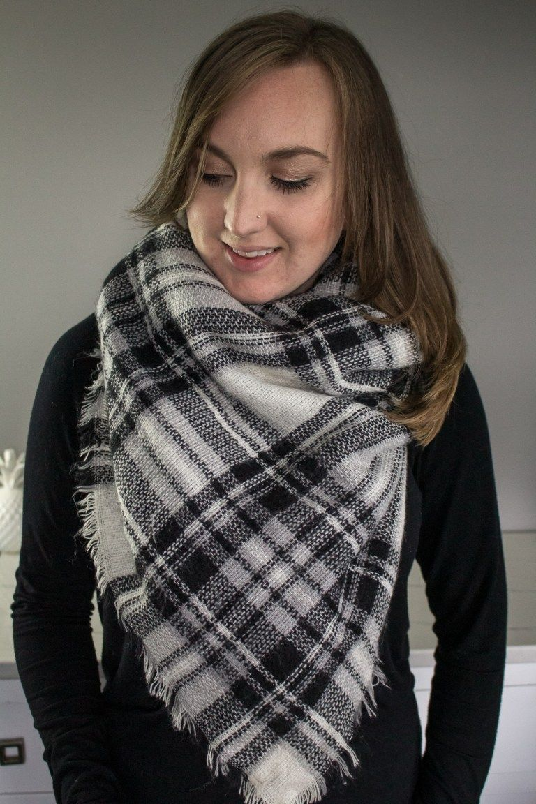7 Fashinable Ways to Wear a Blanket Scarf How to wear a