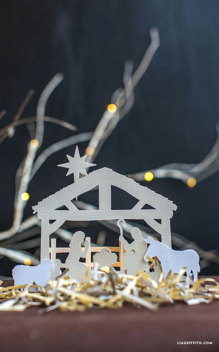 Papercut nativity scene, free pdf and svg file Christmas