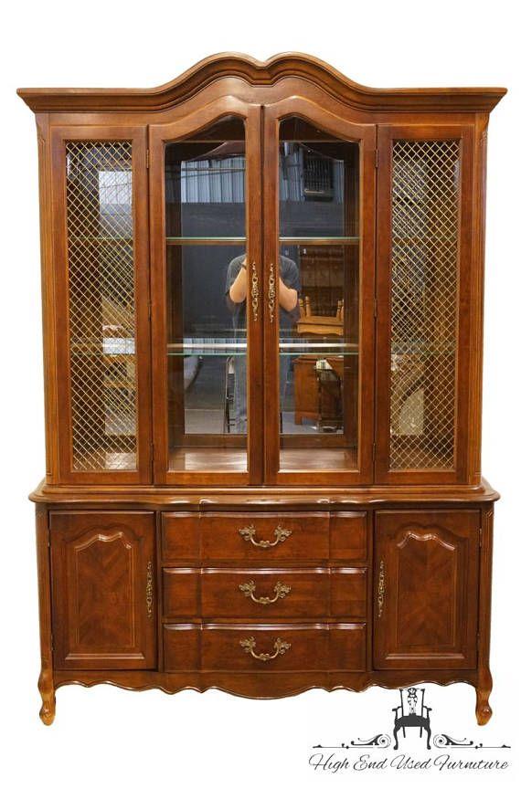 BERNHARDT muebles 57 francés Provincial iluminado | Vitrinas ...