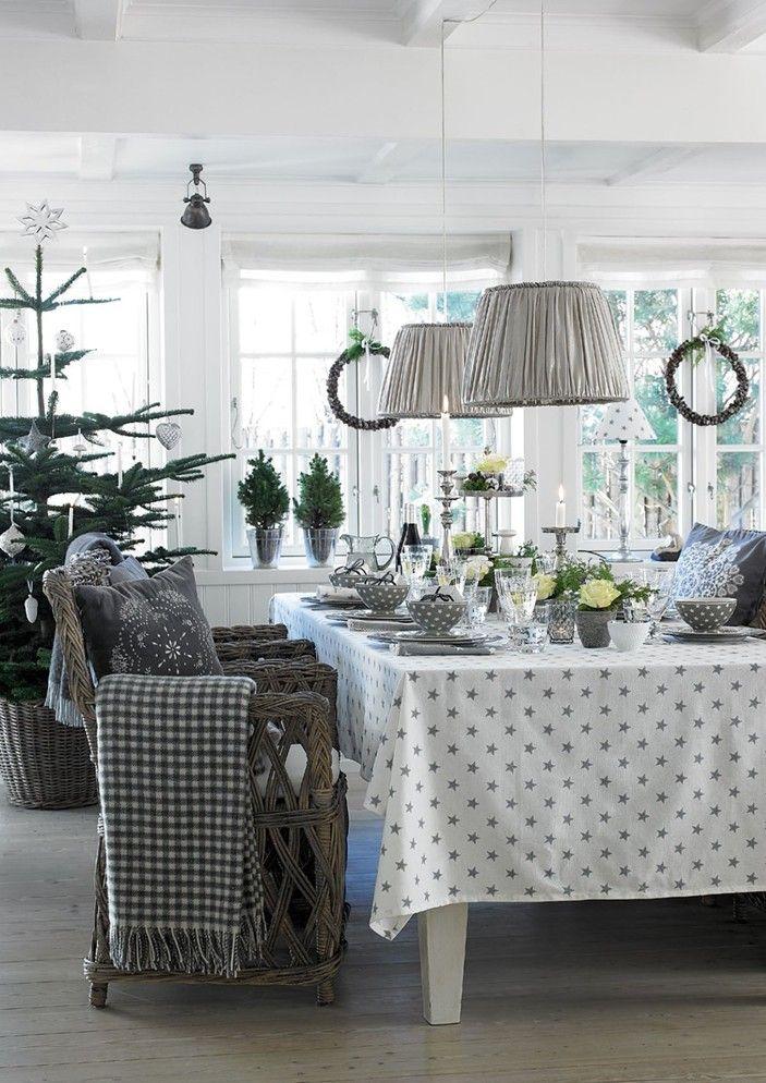 les couleurs et mat riaux naturels sont encore l 39 honneur cet hiver blanc taupe gris. Black Bedroom Furniture Sets. Home Design Ideas