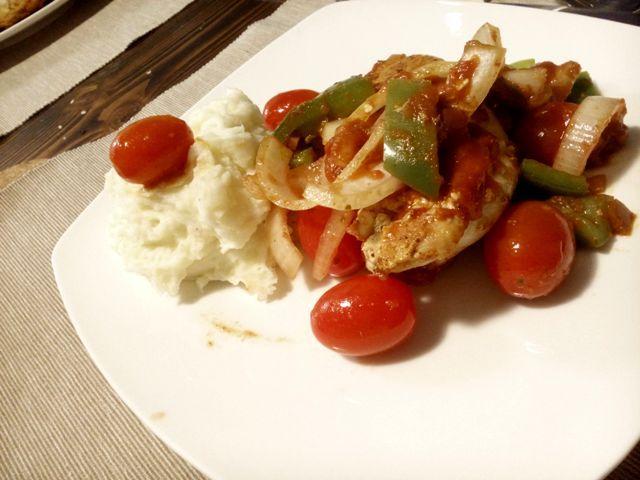 Fixes Salsa Hähnchen // schnelles, gesundes Dinner  mit Hähnchenbrust, Salsa und frischem Gemüse #Salsahähnchen #quickcook #fastandeasydinner #gesund