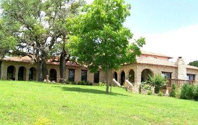 5 000 Sq Ft Mediterranean Villa On 10 Beautiful Acres San Marcos Mediterranean Villa Vacation Books Places To Rent