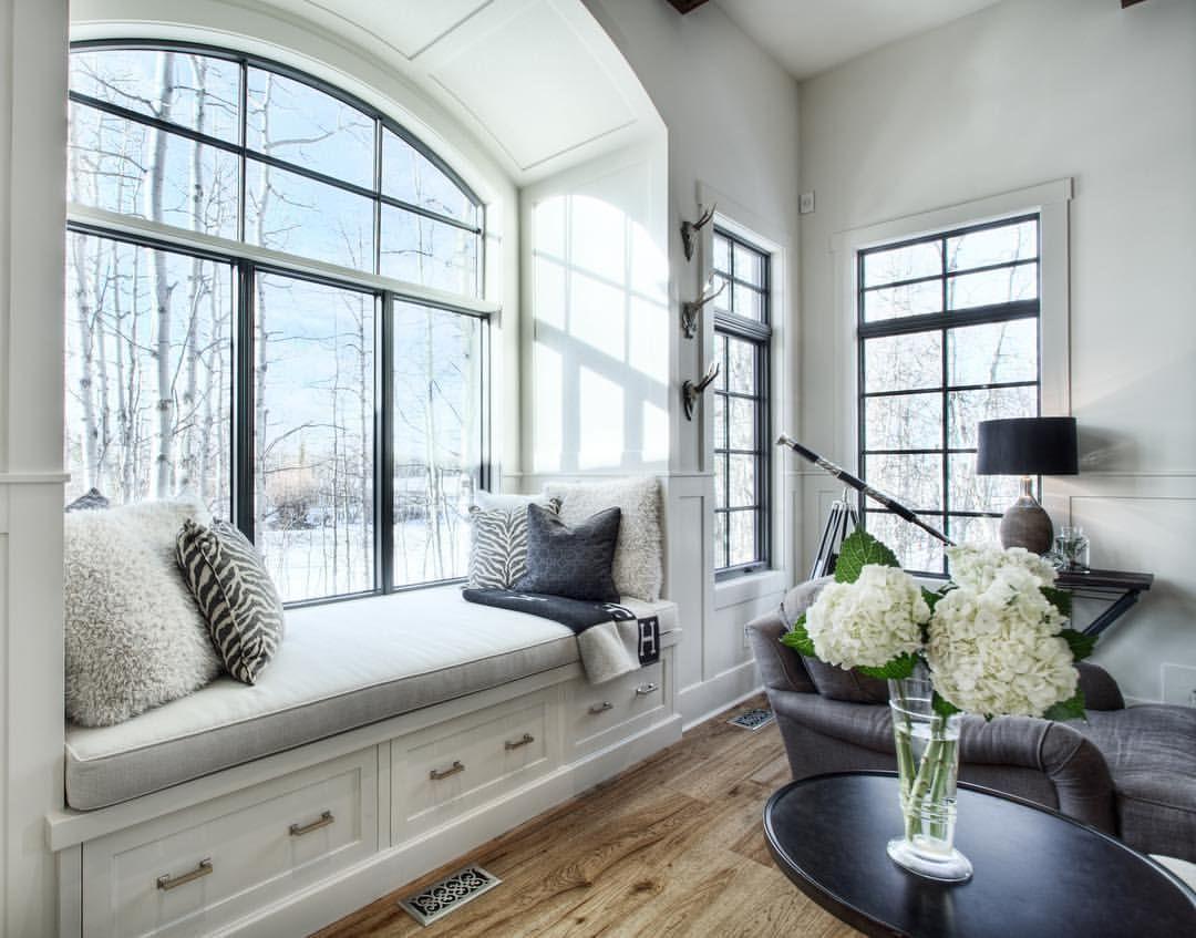 Window Seat Black Grid Windows