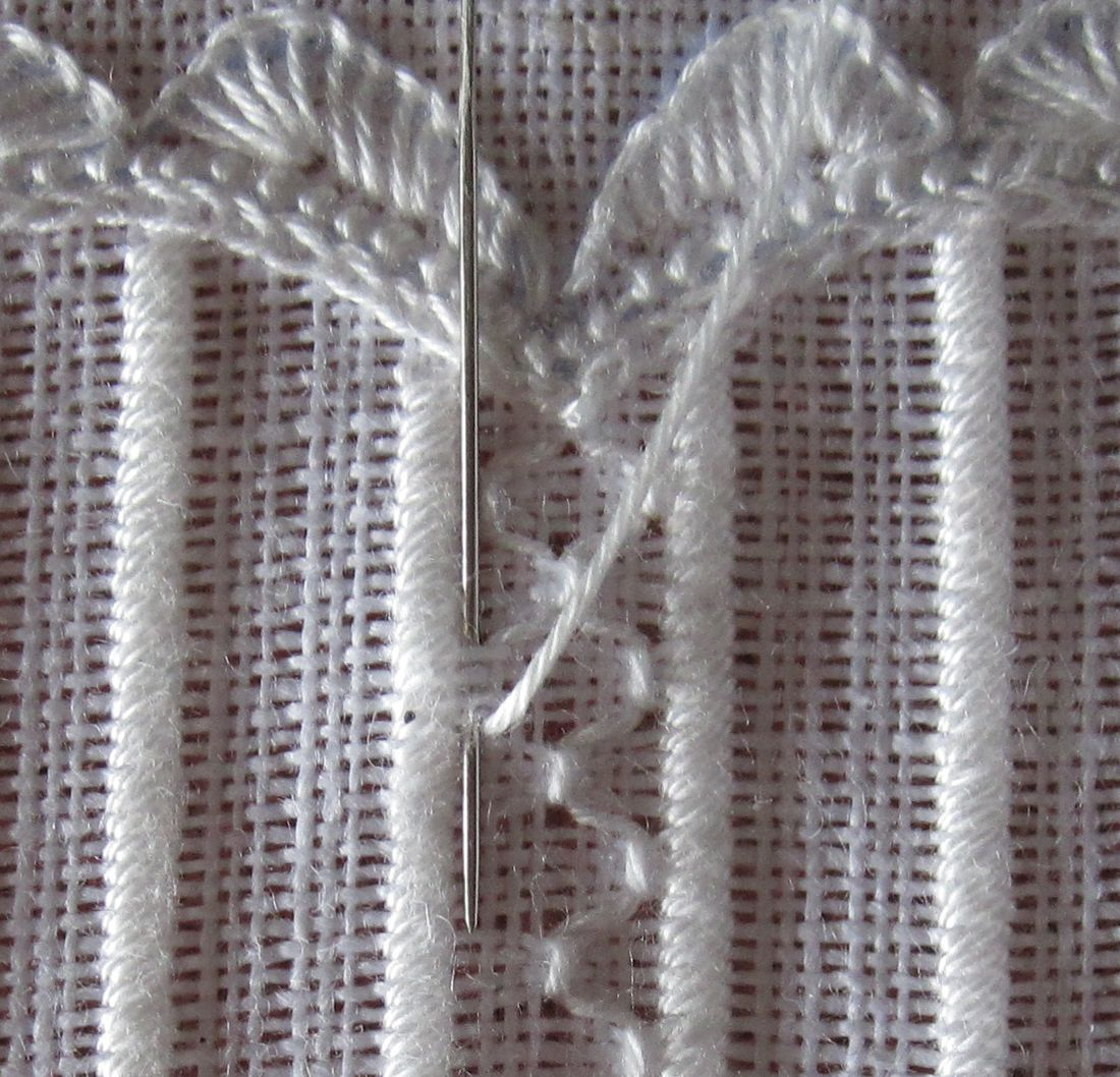 Honeycomb Darning schwalm. Not a tutorial but may be able to work it out from pictures