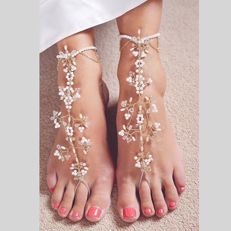 20 GLAMOROUS BRIDAL WEDDING SHOES FOR THE BRIDE TO BE Bridal